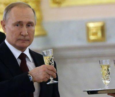 applesbite-vladimir-putin-russia