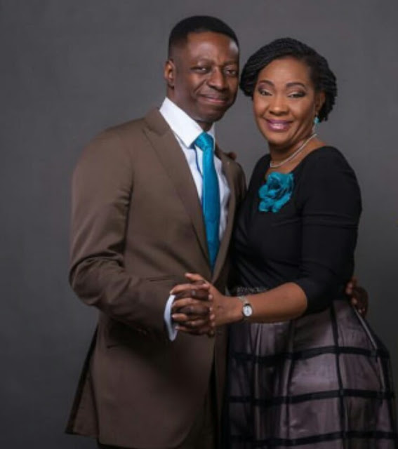 Sam and Nike Adeyemi Apples bite Mag